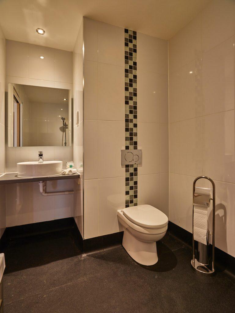 Acquamarine bathroom